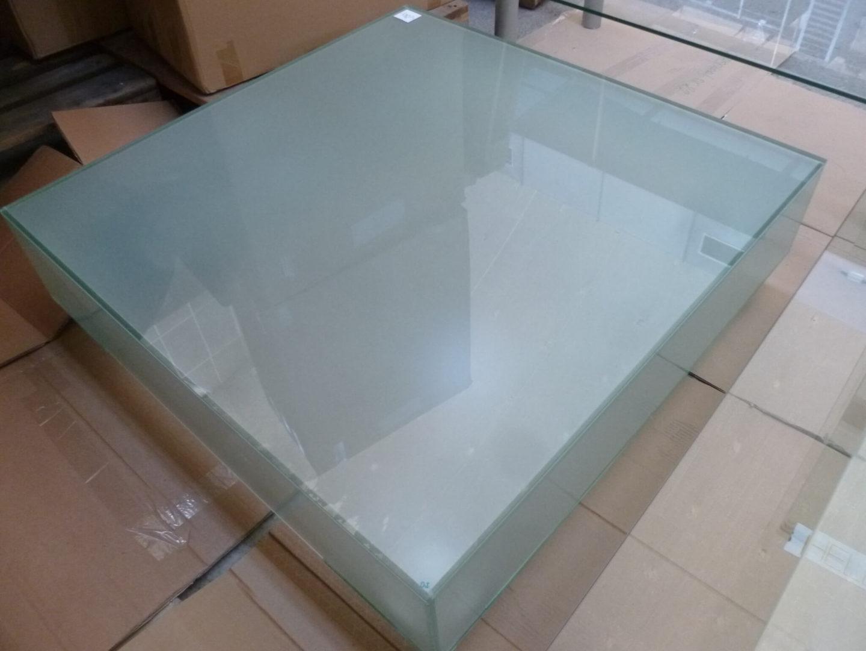 Vierkante Salontafel Met Glas.Vierkante Gestraalde Glazen Salontafel