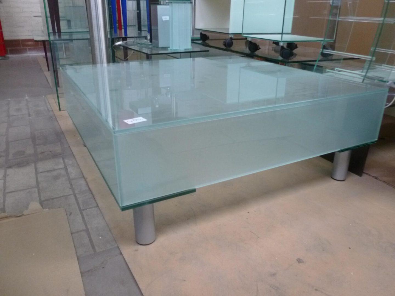 Vierkante Salontafel Met Glas.Vierkante Gestraalde Glazen Salontafel Met Metalen Poten